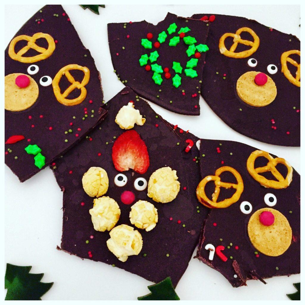 Weihnachtliche Bruchschokolade kommt gut an als Last Minute Geschenk