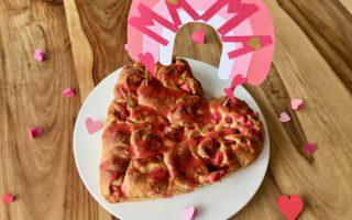 Erdbeerschnecken zum Muttertag mit DIY Caketopper