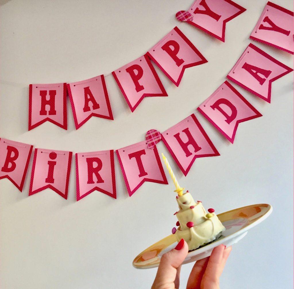 Die Geburtstagsgirlande zum Peppa-Pig-Kindergeburtstag