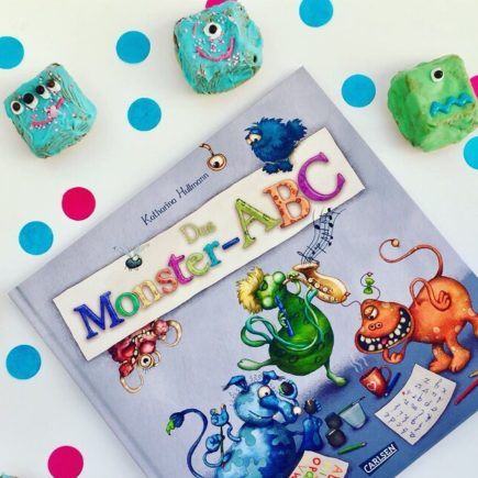 Lesen und Vorlesen fördert Kinder, indem du dich mit Kinderbüchern auseinandersetzt förderst du auch die Kreativität der Kinder.