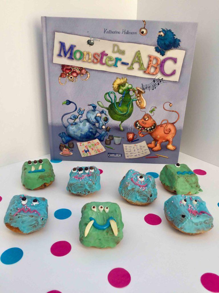 Das Kinderbuch Monster ABC wurde mit kleinen Brownie-Monstern interpretiert