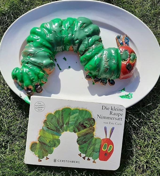 Der Kinderbuch Klassiker wurde als Raupen Kuchen interpretiert