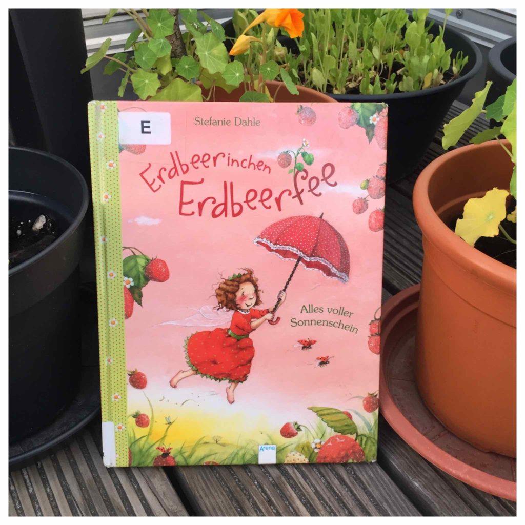 Erdbeerinchen Erdbeerfee - Alles um die Erdbeere ist das Thema für das Backen mit Kindern im Juni