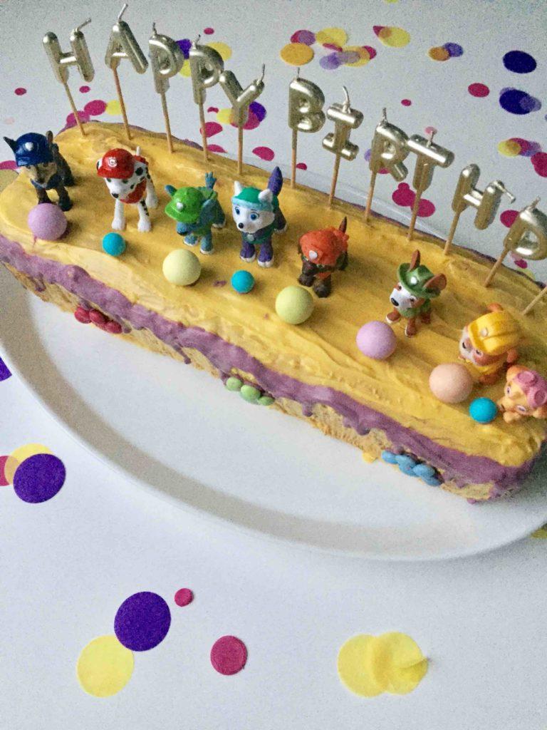 Happy Birthday! Der Paw Patrol Geburtstagskuchen ist der perfekte Motivkuchen für den Kindergeburtstag.