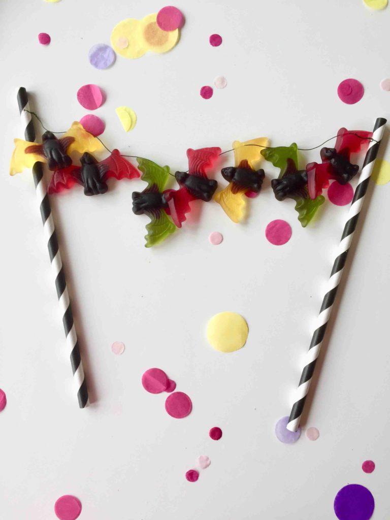 Fledermaus-Caketopper aus Weingummi für Halloween