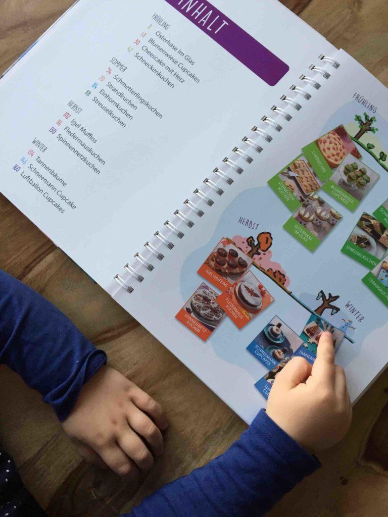 Im Band 8 der Kinderleichten Becherküche gibt es viele tolle Motivkuchen zum Backen mit Kindern.