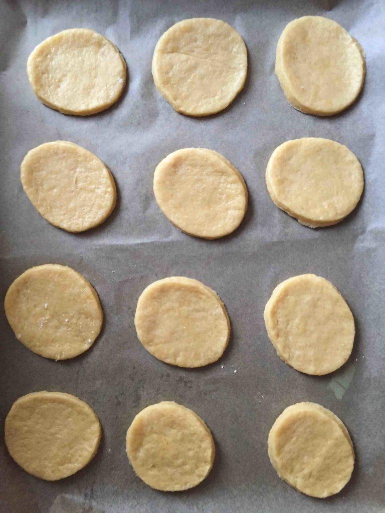Die Santa Claus Cookies sind ein einfaches Rezept für das Backen mit Kindern