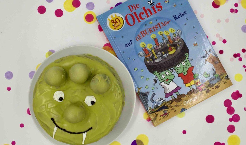 Der Zebrakuchen als Olchi dekoriert - ein Mottokuchen für den Kindergeburtstag
