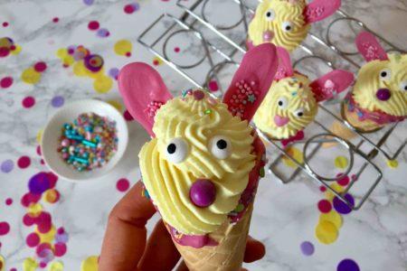 Schnelles Rezept für Cone Cakes zu Ostern - Osterhasen zum Backen mit Kindern